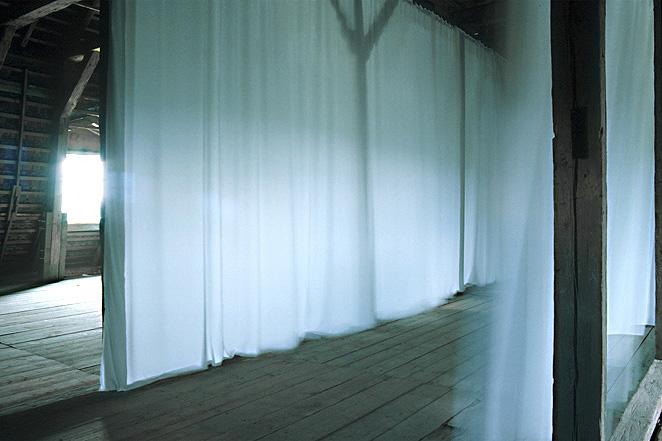 gunda foerster weisse vorhaenge. Black Bedroom Furniture Sets. Home Design Ideas